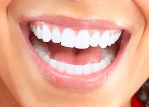 How To Whiten Teeth; Tips & Homemade Teeth Whiteners
