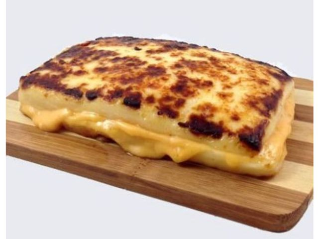 Grilled Cheese Sandwich That Replaces Bread With Cheese