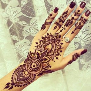 Henna as an art form
